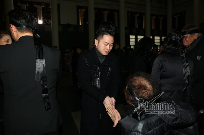 Thanh Lam, Tùng Dương đến tiễn đưa nhạc sĩ Hoàng Vân