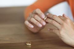 Vợ không đồng ý, chồng có quyền tách khẩu?