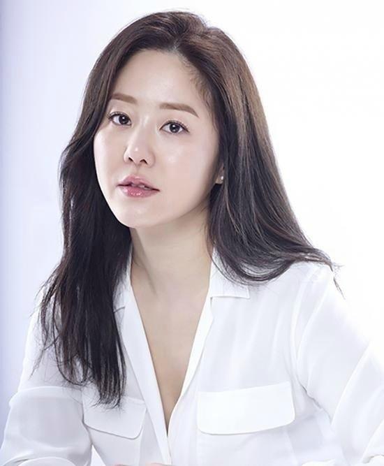 'Nữ hoàng Seon Deok' chửi bới, ẩu đả với đạo diễn