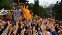 Mang 'Tâm' gì đi lễ chùa đầu năm?