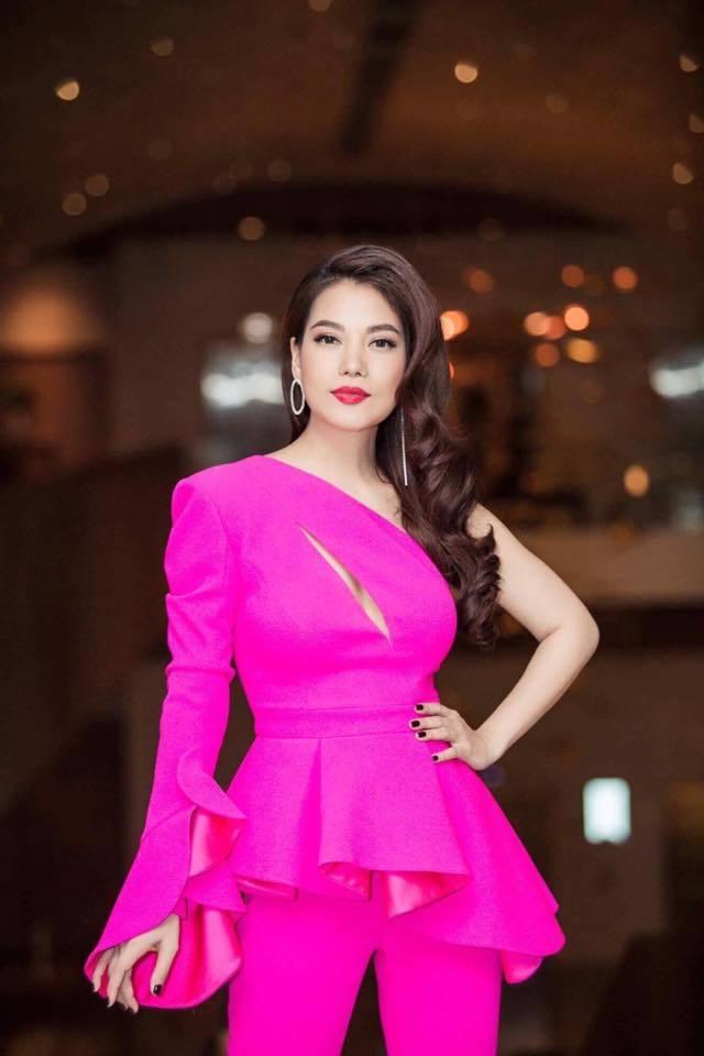 Trương Ngọc Ánh U50 vẫn sexy không ngờ