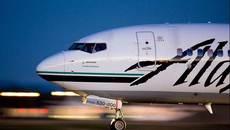 Máy bay quay đầu vì khách đột ngột khỏa thân