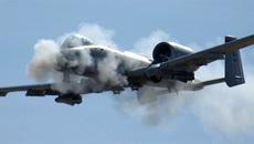Xem 'lợn lòi' A-10 của Mỹ bắn nát xe Taliban