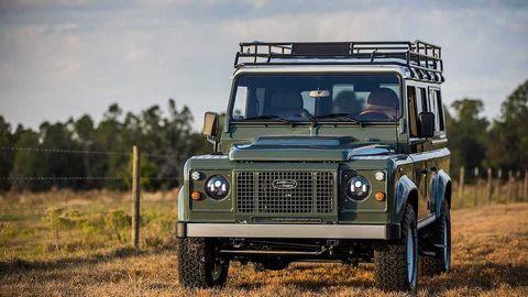 Cận cảnh mẫu xe độ đầy tiện nghi Land Rover Defender