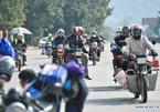 Đội quân xe máy ùn ùn về quê đón Tết
