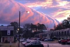 Mây sóng thần cuồn cuộn trên bầu trời Mỹ