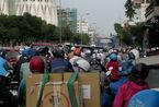 Cửa ngõ Tân Sơn Nhất kẹt cứng nhiều km sau tai nạn xe bồn