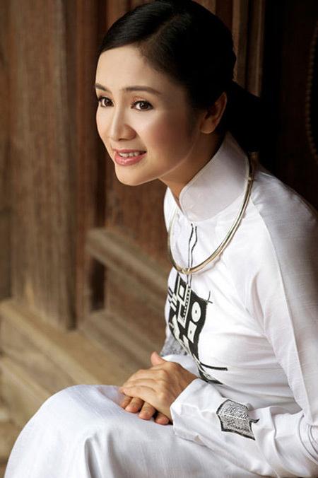 Thu Hà 'Lá ngọc cành vàng' U50 vẫn đẹp quên tuổi tác