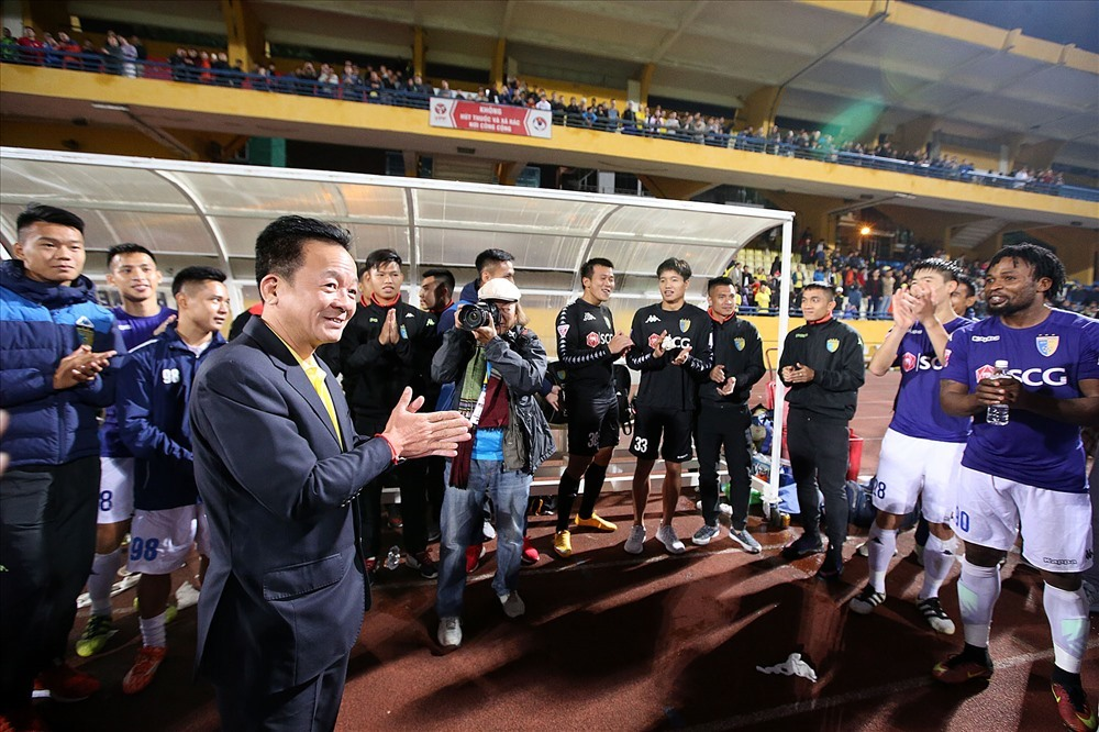Màn thưởng gây sốt của bầu Hiển cho cầu thủ U23 Việt Nam