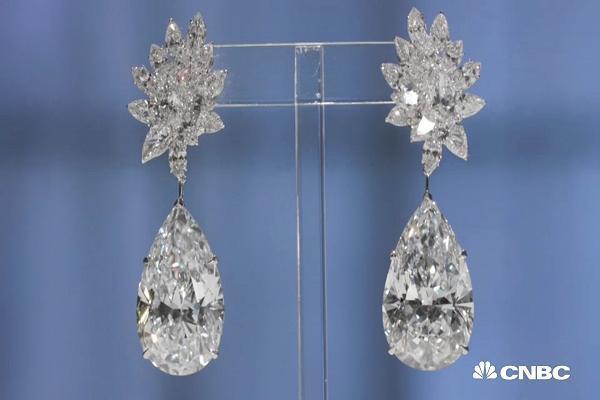 Choáng với những món quà Valentine chỉ hội nhà giàu mới dám mua tặng