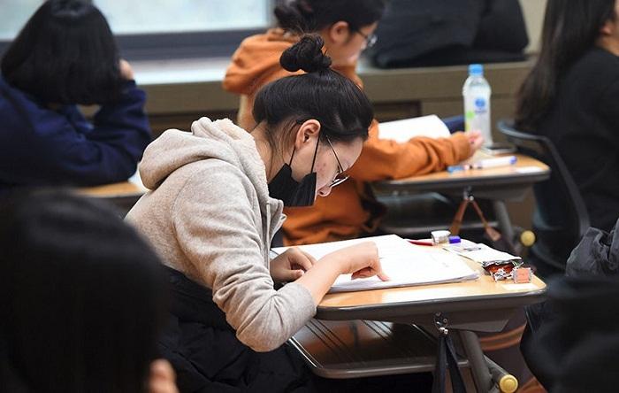 Hàn Quốc điều tra về các công bố có trẻ em là đồng tác giả