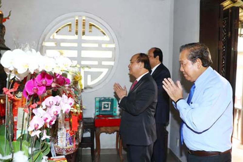 Thủ tướng dâng hương tưởng nhớ các nguyên lãnh đạo Nhà nước, Chính phủ