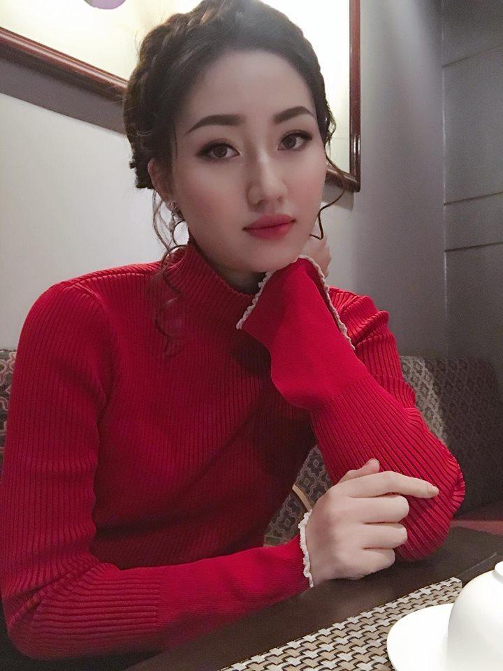 Sao Việt,tin sao việt,MC Hạnh Phúc,H'Hen Niê