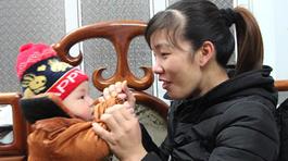 Em bé 'khổng lồ', 4 tháng lớn bằng trẻ gần 2 tuổi