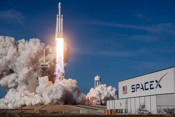Elon Musk vừa phóng vào vũ trụ một kiện hàng bí mật