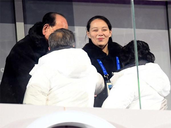 Nụ cười quyến rũ đặc biệt của em gái Kim Jong Un