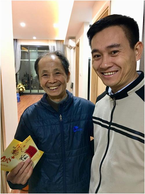 Chủ đầu tư Mon City tặng quà Tết cư dân