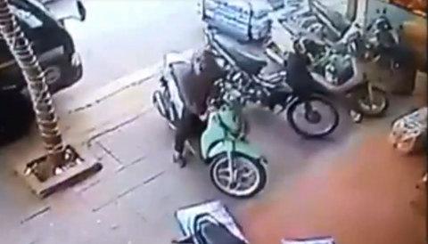 Đạo chích phá khóa điện, trộm SH trong 3 giây ở Vĩnh Phúc