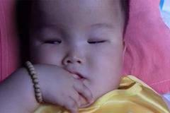 Tâm sự nghẹn lòng của mẹ 9x có con bị não úng thủy: Sợ một ngày con sẽ rời xa mẹ