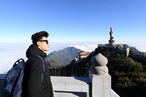 U23 Việt Nam rước đuốc, thượng cờ trên đỉnh Fansipan