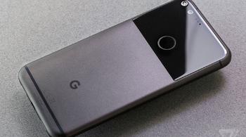Google bán được 3.9 triệu chiếc Google Pixel năm 2017