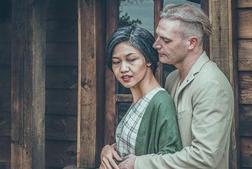 Á hậu Thanh Tú, Kyo York hóa thân thành vợ chồng già ngày Valentine