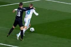 """""""Real Madrid ăn vạ, trọng tài đứng về chủ nhà"""""""