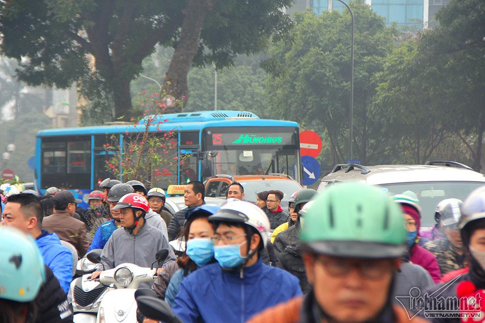 ùn tắc,ùn tắc giao thông,tắc đường,Hà Nội,Tết Nguyên đán,Tết Mậu Tuất,chợ hoa
