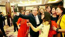 Khi các đại sứ Việt dùng Facebook báo Tết