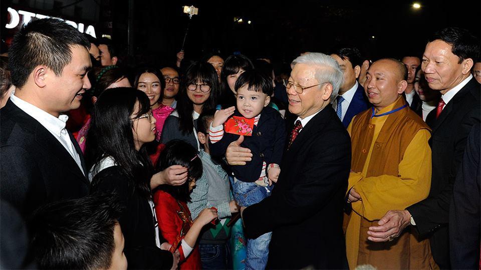 Tổng bí thư,Nguyễn Phú Trọng,Tết Mậu Tuất 2018,Hồ Gươm,giao thừa
