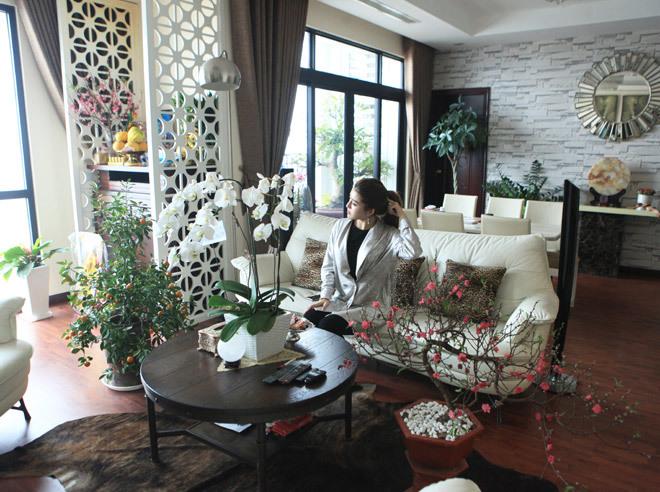 Thăm ngôi nhà ấm cúng, ngập hoa của Á hậu Huyền My ngày Tết