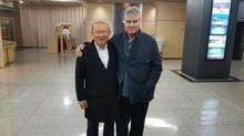 Thầy Park nhận chúc mừng của Hiddink, Quang Hải chúc Tết người hâm mộ