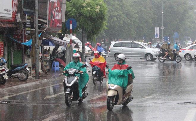 Ngày đầu tiên đi làm trở lại sau kỳ nghỉ Tết, miền Bắc chuyển mưa rét