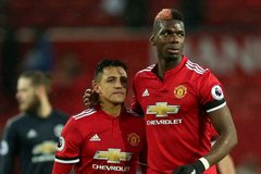 MU khuynh đảo Premier League, Griezmann hờn trách Mourinho