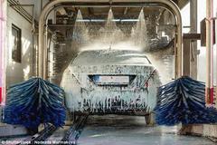 Mang họa vào thân chỉ vì đi rửa xe ô tô ở tiệm
