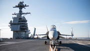 Vẻ uy hùng của các tàu sân bay khủng
