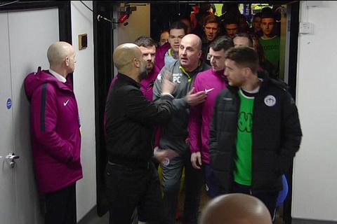 Video Guardiola gây hấn đồng nghiệp