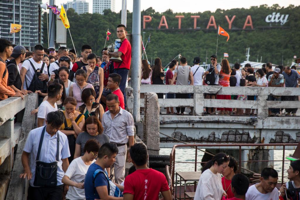 Trái đắng của 'cơn lốc' du khách Trung Quốc tại Thái Lan
