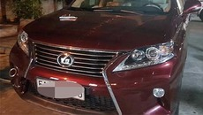 Chủ khách sạn truy đuổi 2 thanh niên lái xe Lexus gây náo loạn