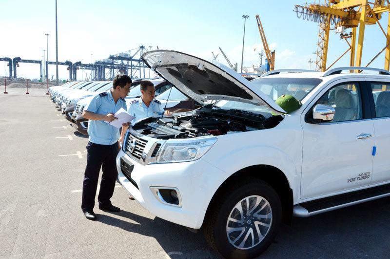 Xe nhập khẩu từ Indonesia và Ấn Độ về 'mo'