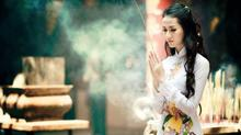 Cách lựa chọn trang phục khi đi chùa, đền, phủ