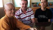 Người đàn ông Pháp chữa bệnh ở chùa Lá An Nhiên