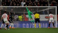 MU sống nhờ De Gea: Đáng lo đấy, Mourinho