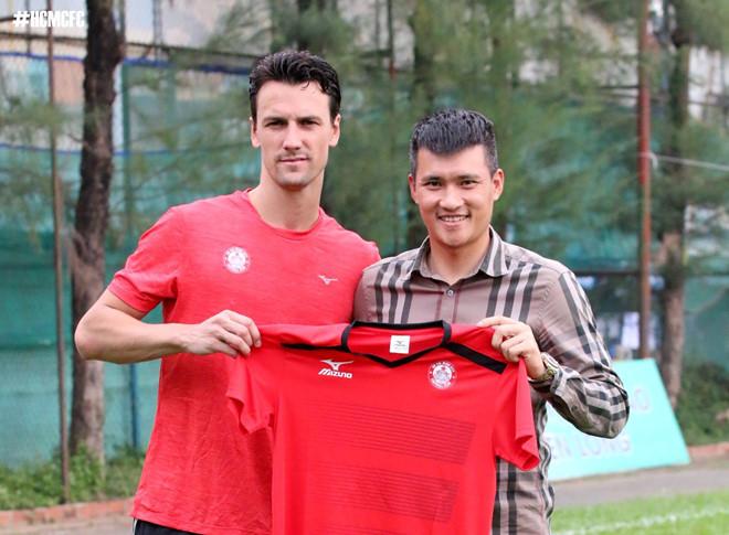 Công Vinh,Rodrigo Possebon,MU,V-League