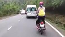 Bi hài chuyện cặp đôi mâu thuẫn vì... đi xe quá nhanh