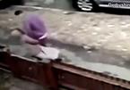 Bé gái 12 tuổi bị người đàn ông lạ tấn công