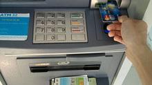 Phó giám đốc CN Eximbank chiếm 245 tỉ của khách rồi 'biến'