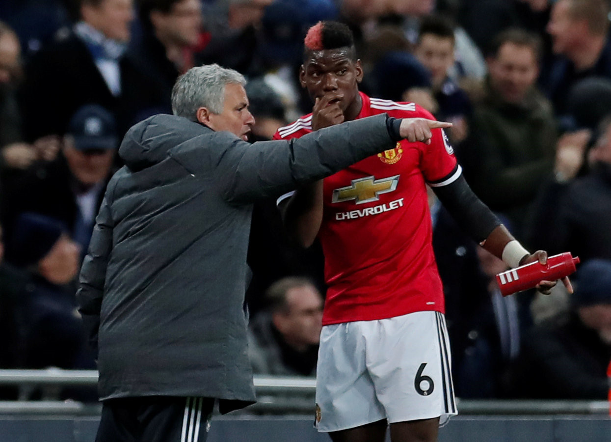 M.U trắng tay và những vấn đề Mourinho phải giải quyết ngay trong hè này