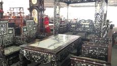 Đại gia phát thèm với bộ bàn ghế sang chảnh có long sàng như vua chúa