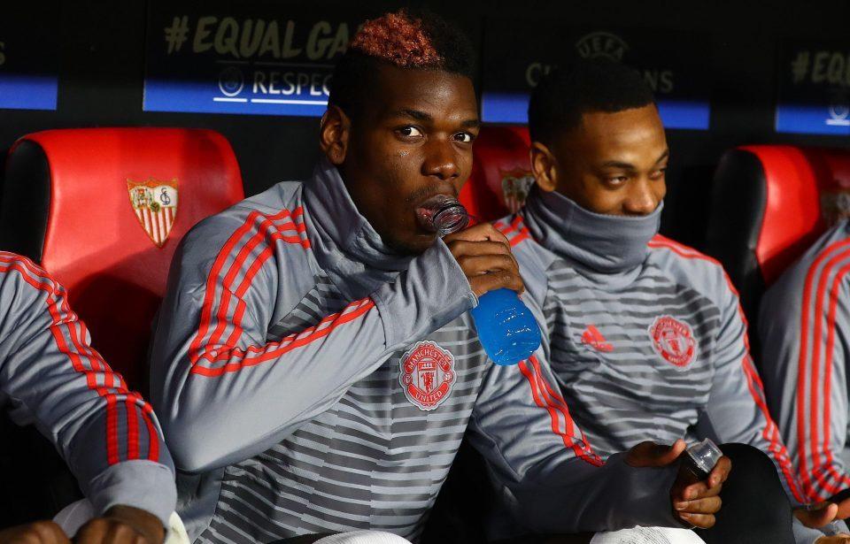 Lý do sốc Mourinho ném Pogba lên ghế dự bị